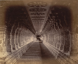 The long colonnade of the Ramalingeshvara Temple, Rameswaram